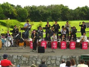 Swingin' Wonderland JAZZ Orchestra